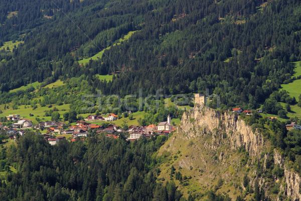 Castelo 18 montanha campo rocha torre Foto stock © LianeM