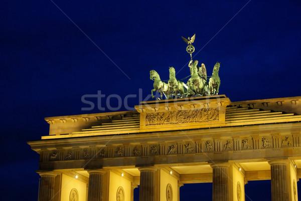 Berlin Brandenburgi kapu éjszaka fény sötét szobor Stock fotó © LianeM