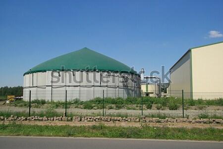 Biogas impianto 16 campo agricoltura prato Foto d'archivio © LianeM