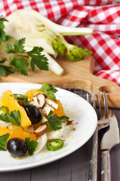 Delicioso ensalada verduras frescas placa rústico estilo Foto stock © lidante