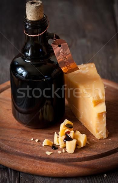 Kaas heerlijk parmezaanse kaas fles oude balsamico azijn Stockfoto © lidante