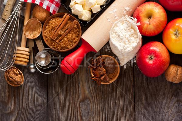 Almás pite hozzávalók főzés friss piros alma vaj Stock fotó © lidante
