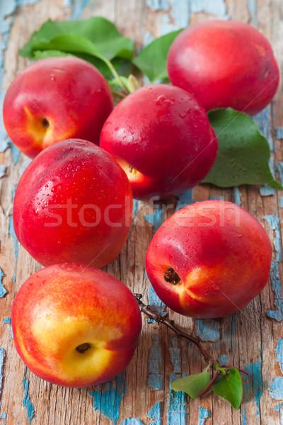Fraîches sweet gouttes d'eau laisse orange vert Photo stock © lidante
