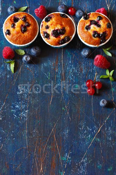 Muffinok édes friss bogyók szöveg recept Stock fotó © lidante