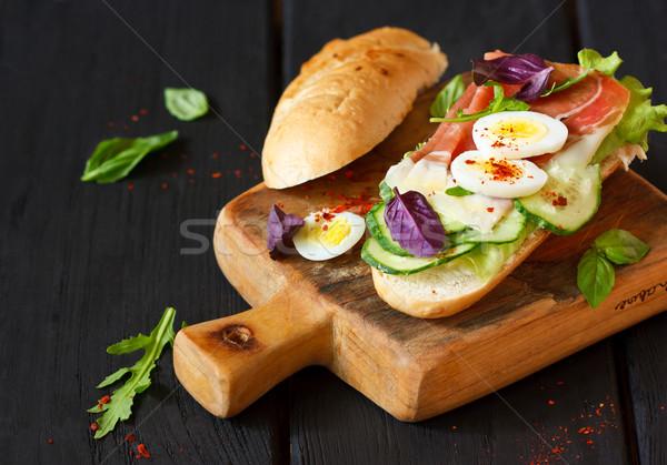 Taze ev yapımı sandviç lezzetli jambon yumurta Stok fotoğraf © lidante
