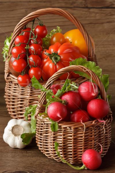 Aratás kettő fonott friss kert zöldségek Stock fotó © lidante