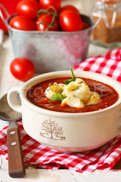 Sopa delicioso tortellini sopa de tomate folha restaurante Foto stock © lidante