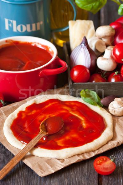 Stok fotoğraf: Pizza · domates · sosu · malzemeler · mutfak · restoran · kırmızı