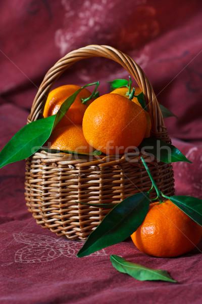 Dulce maduro cesta frutas naranja Foto stock © lidante