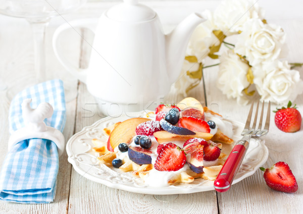 朝食 新鮮な 自家製 ホイップクリーム フルーツ 花 ストックフォト © lidante