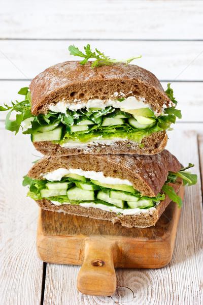 Vegetariano fitness sandwich ricotta cetriolo lattuga Foto d'archivio © lidante