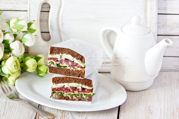 Salami seigle perle sandwiches fraîches légumes Photo stock © lidante