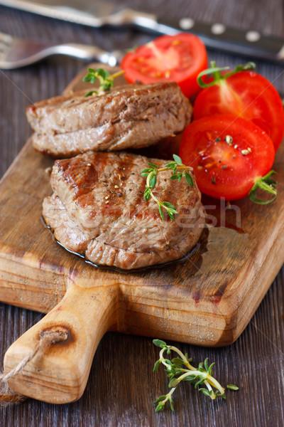 ストックフォト: 牛肉 · ジューシー · トマト · サラダ · 務め