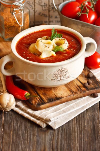 Sopa delicioso cremoso sopa de tomate tortellini folha Foto stock © lidante