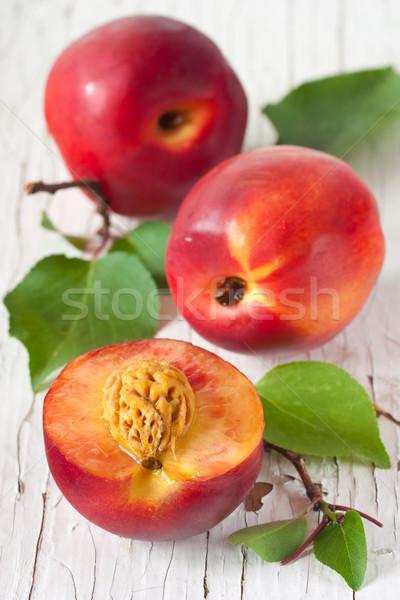 Friss édes levelek fehér tábla narancs zöld Stock fotó © lidante