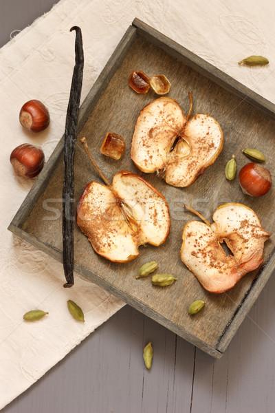 Eigengemaakt appel chips noten specerijen rustiek Stockfoto © lidante
