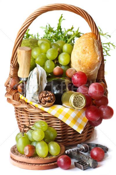 美しい バスケット ピクニック ブドウ ワイン ナッツ ストックフォト © lidante