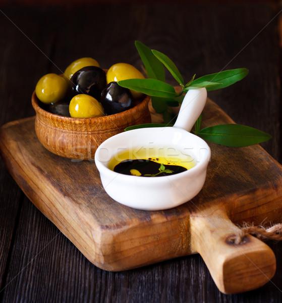 Azeitonas tigela azeite vinagre balsâmico árvore natureza Foto stock © lidante