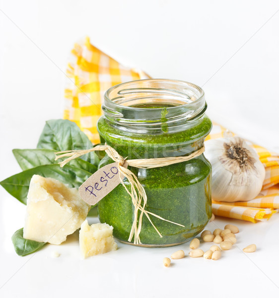Pesto sauce vert verre jar ingrédients Photo stock © lidante