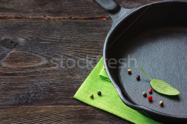 Tigaie negru spatiu copie nota reteta alimente Imagine de stoc © lidante
