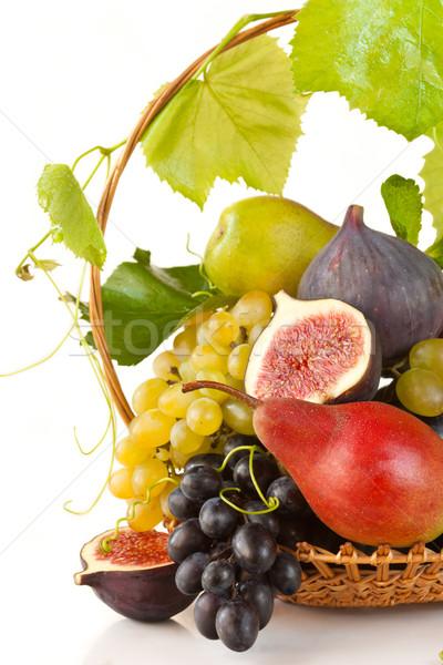 Frutas cesta fruta fresca vid grupo Foto stock © lidante