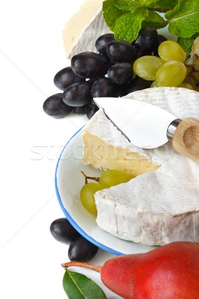 Camembert frans plaat druiven kruiden gezondheid Stockfoto © lidante