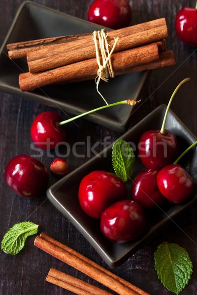 édes cseresznye fahéj érett menta sötét Stock fotó © lidante