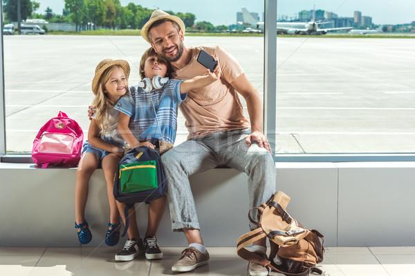 Photo stock: Famille · aéroport · souriant · père · enfants