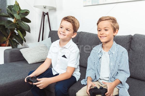 Ninos jugando cute sonriendo pequeño hermanos Foto stock © LightFieldStudios