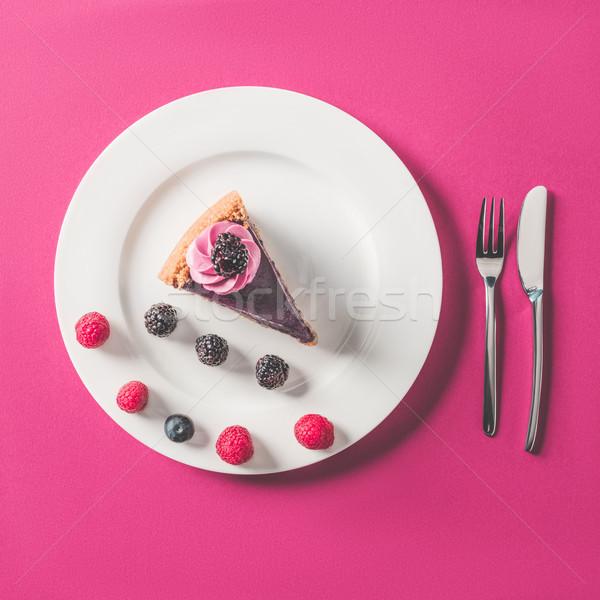 Top Ansicht Stück Kuchen Beeren Platte Stock foto © LightFieldStudios