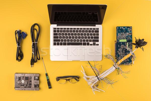 先頭 表示 ノートパソコン 画面 線 マザーボード ストックフォト © LightFieldStudios