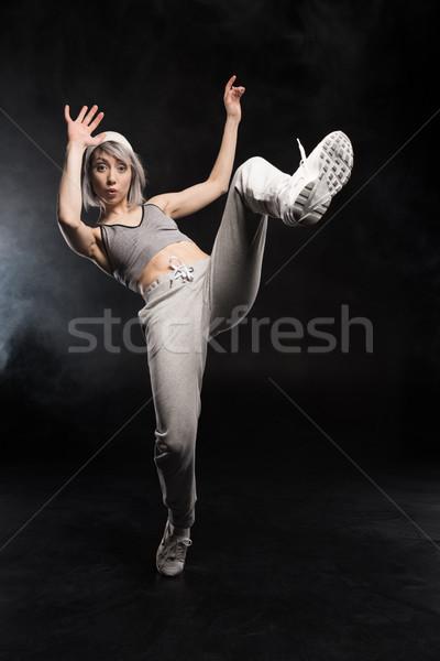 Donna abbigliamento sportivo dancing donna nera nero ragazza Foto d'archivio © LightFieldStudios