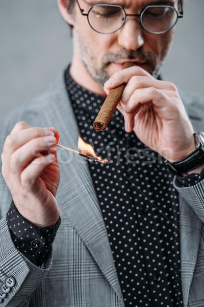 Zakenman roken sigaar shot bril Stockfoto © LightFieldStudios