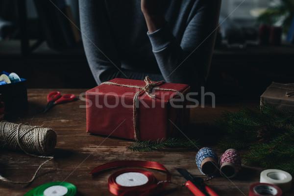 Frau Weihnachten Geschenk erschossen rot Papier Stock foto © LightFieldStudios