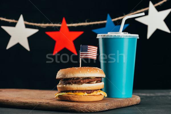 Ver burger bandeira americana soda beber Foto stock © LightFieldStudios