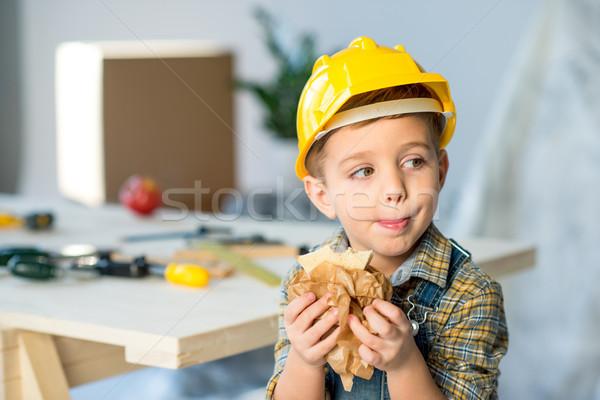 Jongen eten sandwich cute weinig Stockfoto © LightFieldStudios