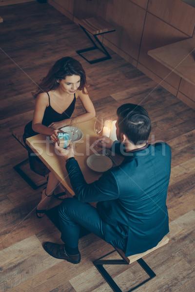 человека подарок подруга мнение Сток-фото © LightFieldStudios