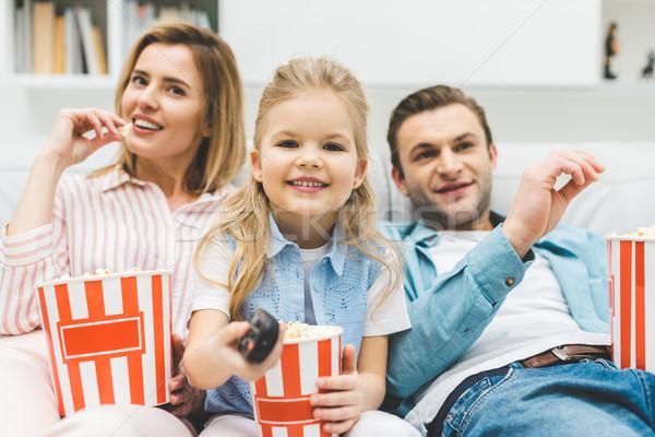 肖像 幸せな家族 ポップコーン を見て 映画 一緒に ストックフォト © LightFieldStudios