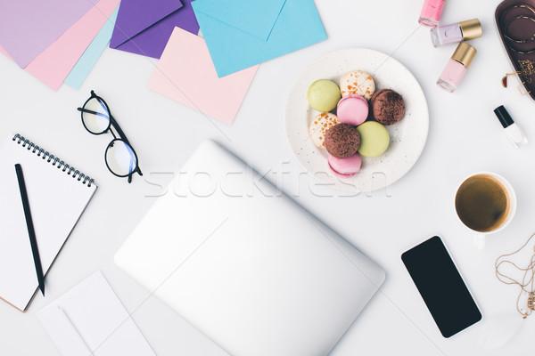 Vrouwelijke werkplek top schoonheid spullen Stockfoto © LightFieldStudios