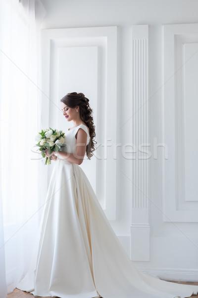 невеста позируют элегантный белое платье свадьба Сток-фото © LightFieldStudios