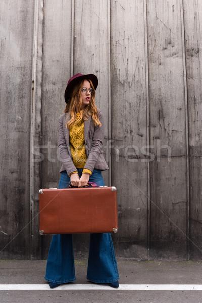 Viajero hermosa elegante femenino fedora Foto stock © LightFieldStudios