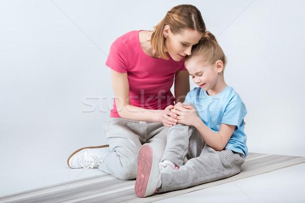 Moeder huilen dochter opleiding witte kind Stockfoto © LightFieldStudios