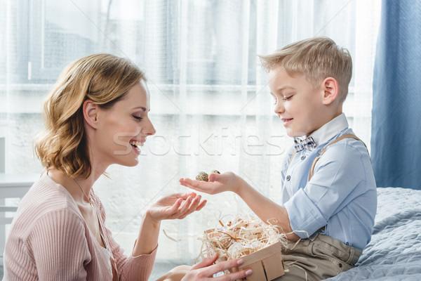 Gelukkig moeder zoon weinig jongen jonge Stockfoto © LightFieldStudios