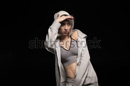 Ritratto donna abbigliamento sportivo nero ragazza dancing Foto d'archivio © LightFieldStudios