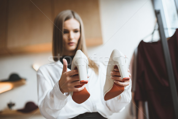 Talones de moda de moda mujer elegante Foto stock © LightFieldStudios