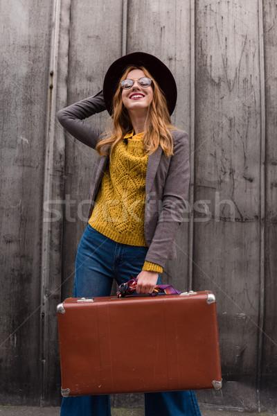 Nina vintage maleta hermosa elegante Foto stock © LightFieldStudios