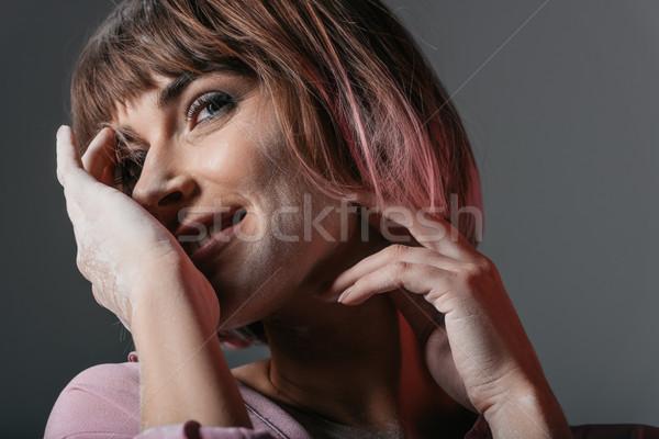 Dziewczyna proszek szczęśliwy twarz ręce odizolowany Zdjęcia stock © LightFieldStudios