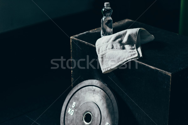 ダンベル 重量 ボトル 水 タオル キューブ ストックフォト © LightFieldStudios