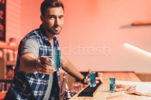 バーテンダー アルコール ショット 選択フォーカス 手 ストックフォト © LightFieldStudios