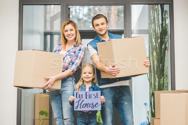 Portret glimlachend ouders dochter boord Stockfoto © LightFieldStudios